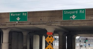 Rail overpass for Warner and Shepard