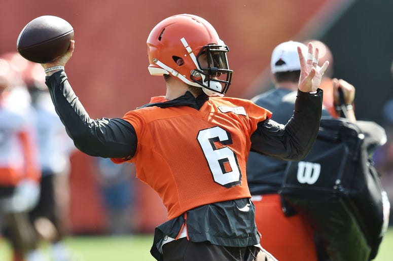 Cleveland Browns quarterback Baker Mayfield (6) throws a pass during training camp at the Cleveland Browns Training Complex