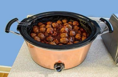 Super Bowl Recipes You Can Make In A Crock Pot