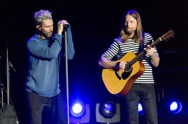 Adam Levine and James Valentine of Maroon 5