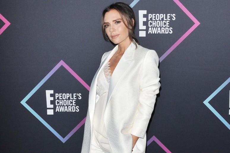 Victoria Beckham arrives at the 2018 E! People's Choice Awards held at the Barker Hangar in Santa Monica, CA on Sunday, ​November 11, 2018.