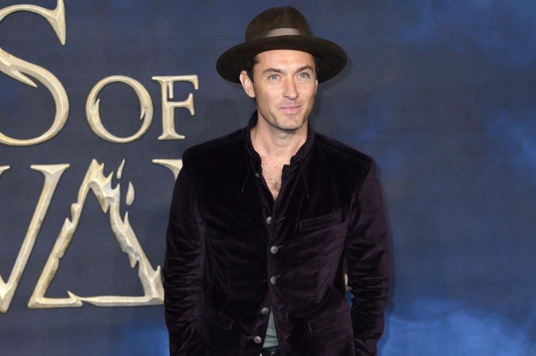 Jude Law attending the Fantastic Beasts: The Crimes of Grindelwald UK premiere held at Leicester Square, London.