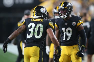 Pittsburgh Steelers running back James Conner (30) and wide receiver JuJu Smith-Schuster (19) celebrate a Steelers touchdown