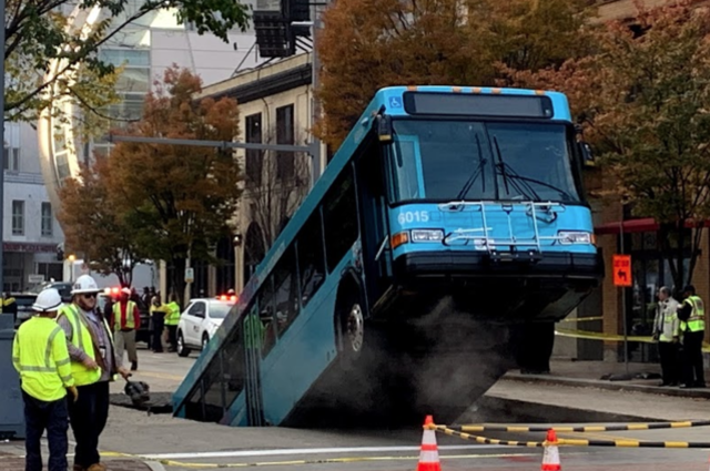 PAT Bus in Sinkhole Downtown Pittsburgh