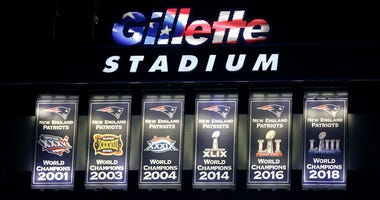 Patriots Super Bowl banners