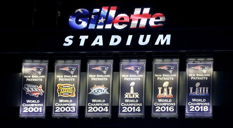 Patriots Super Bowl banners