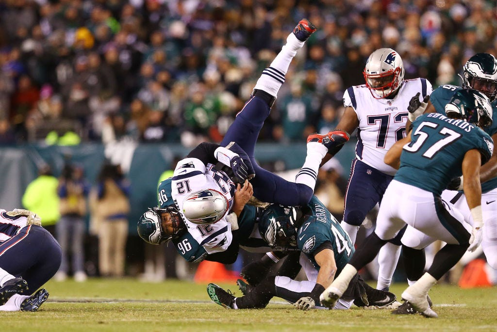 Patriots at Eagles thumbs up, thumbs down: Tom Brady, offense