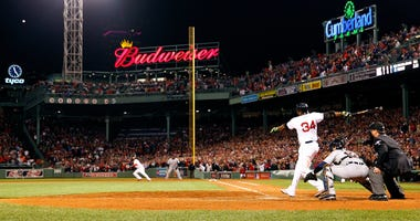 David Ortiz launches a home run in game 2 of the 2013 ALCS