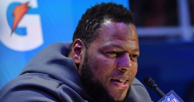 Rams defensive tackle Ndamukong Suh
