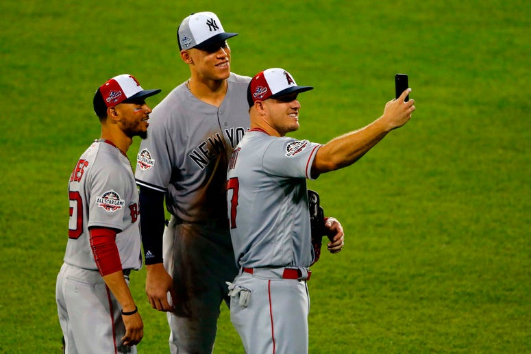 Mike Trout, Mookie Betts, and Aaron Judge take a selfie