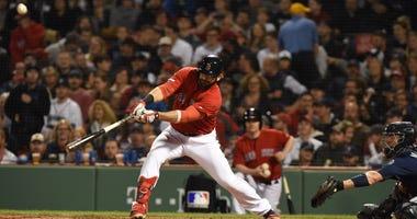 Red Sox first baseman Mitch Moreland