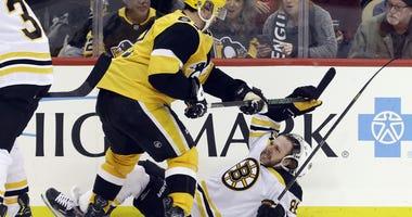David Pastrnak Sidney Crosy Boston Bruins Pittsburgh Penguins