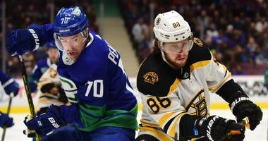 David Pastrnak Tanner Pearson Boston Bruins Vancouver Canucks