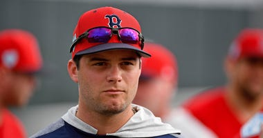 Andrew Benintendi has signed a two-year contract