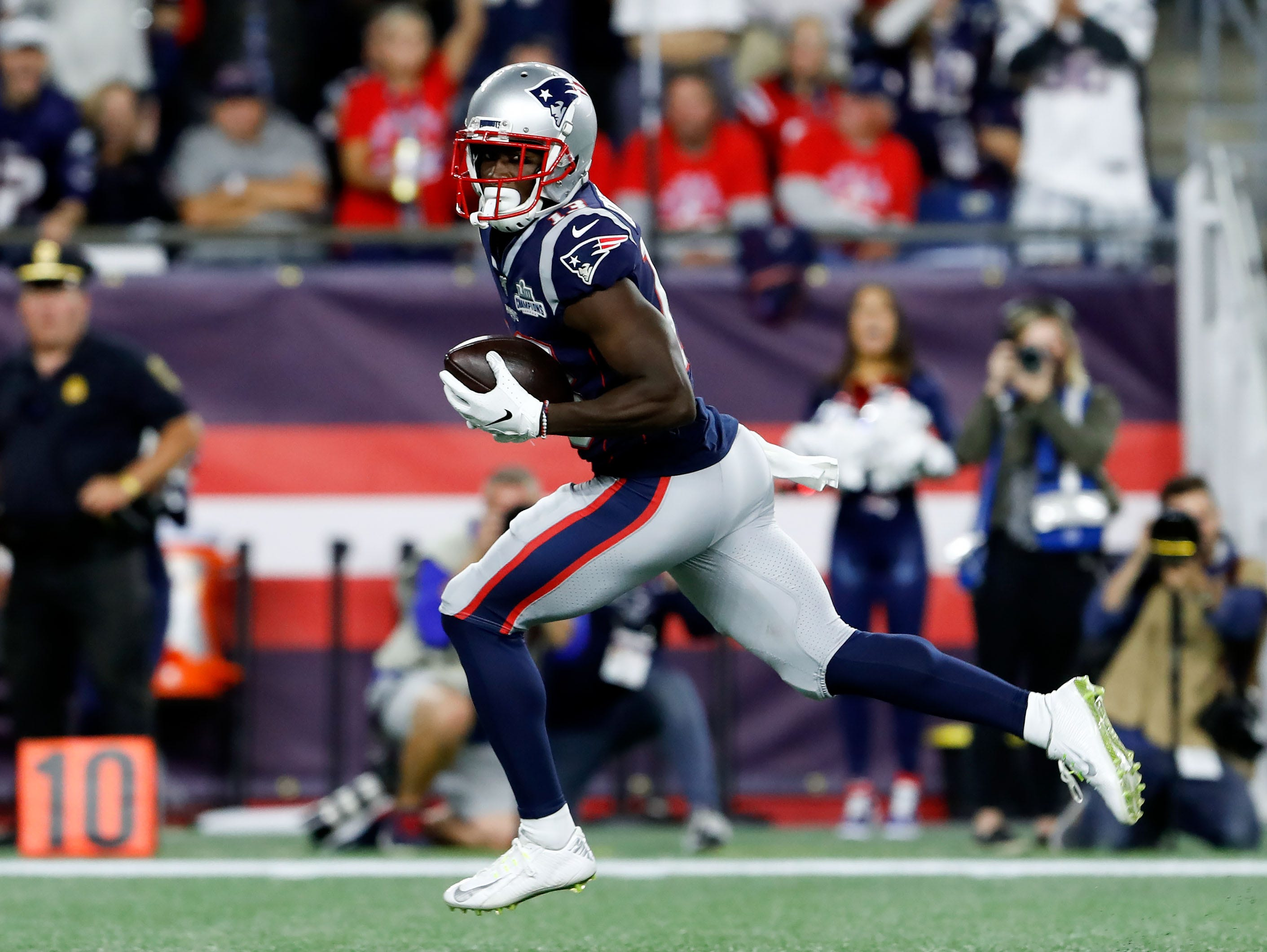 Patriots have number of wide receivers dealing with injuries