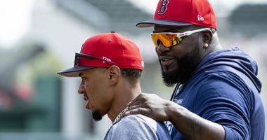 David Ortiz hangs out with Mookie Betts