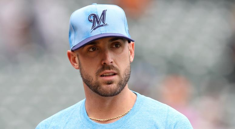 Travis Shaw is a free agent