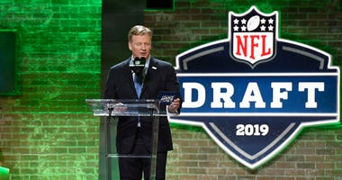 NFL commissioner Roger Goodell announces a pick during the 2019 NFL Draft in Downtown Nashville.