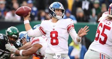 Giants quarterback Daniel Jones passes against the Jets on Nov. 10, 2019, at MetLife Stadium.