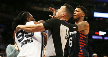 Memphis Grizzlies forward Jae Crowder (99) and New York Knicks guard Elfrid Payton (6) push and shove during an altercation during the second half at Madison Square Garden