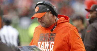 Cleveland Browns head coach Freddie Kitchens walks the sideline against the Cincinnati Bengals during the first half at Paul Brown Stadium