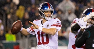 Giants quarterback Eli Manning passes the ball against the Eagles at Lincoln Financial Field Dec 9, 2019; Philadelphia, PA