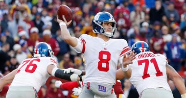 New York Giants quarterback Daniel Jones (8) passes the ball against the Washington Redskins in the third quarter on Dec 22, 2019 at FedExField.