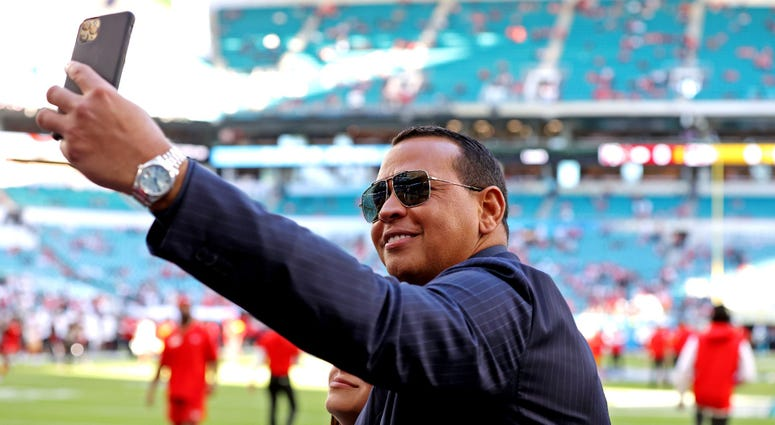 Alex Rodriguez takes a selfie before Super Bowl LIV Feb 2, 2020; Miami Gardens, Florida
