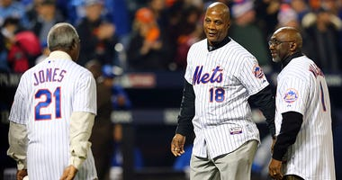 Darryl Strawberry joins other Mets legends before a game at Citi Field.