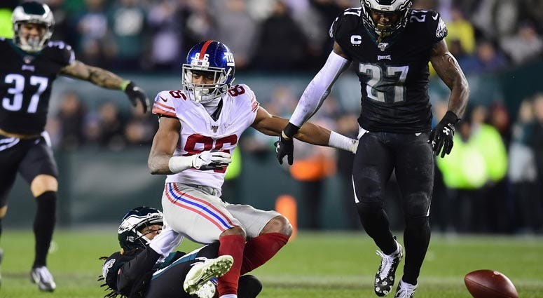 Giants wide receiver Darius Slayton has a play broken up by Eagles cornerback Ronald Darby on Dec. 9, 2019, at Lincoln Financial Field in Philadelphia.