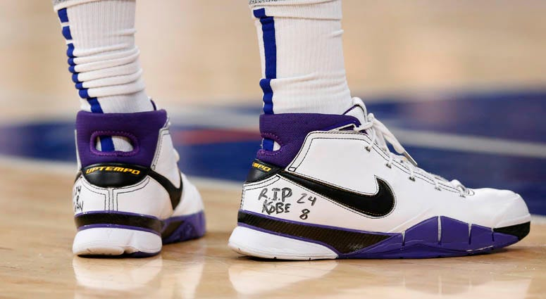Knicks forward Marcus Morris wrote a tribute on his shoes to Kobe Bryant.