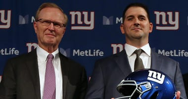 From left, Giants co-owner John Mara and head coach Joe Judge