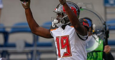Breshad Perriman celebrates a TD with the Bucs