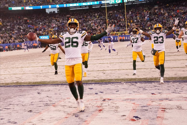 The Packers celebrate against the Giants.