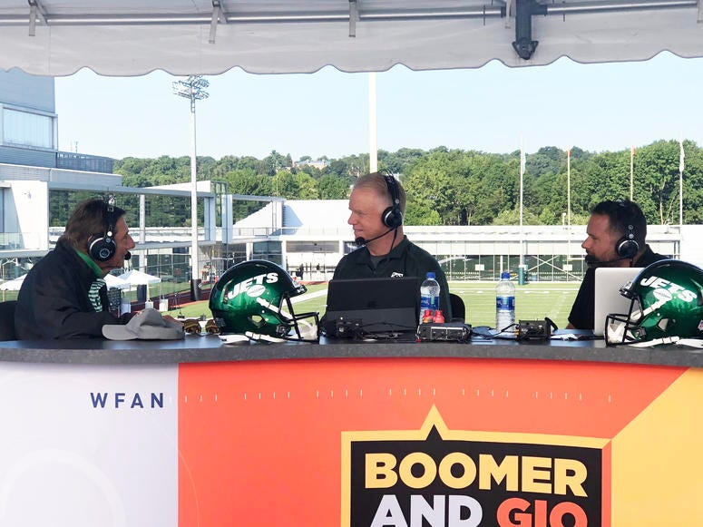 Jets great Joe Namath with Boomer and Gio on Aug. 12, 2019