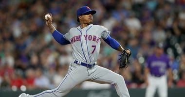 Marcus Stroman pitches for the Mets.