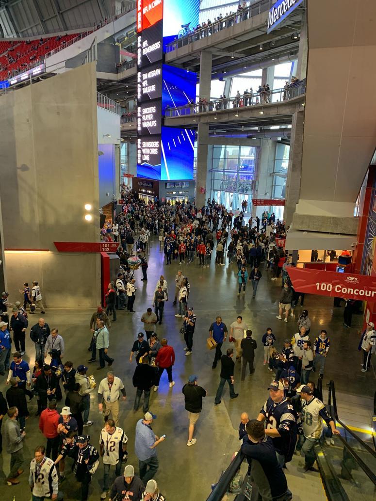 Fans gather inside Mercedes-Benz Stadium. (Credit: Adam W. Bloom)