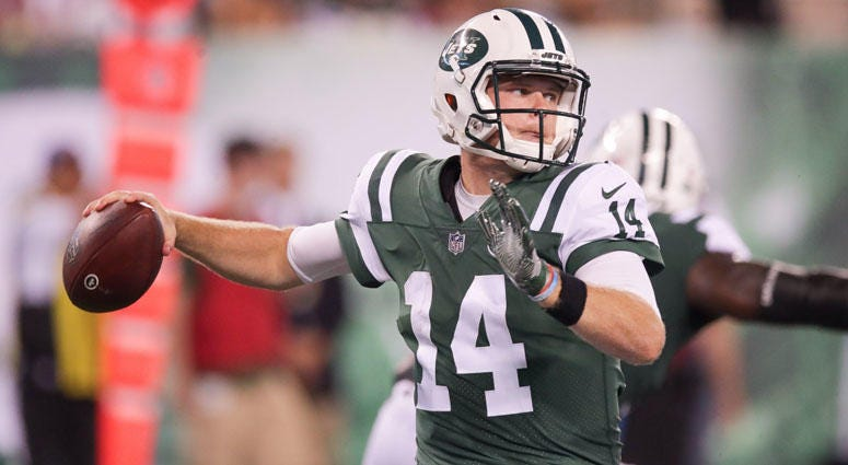 Sam Darnold (14) throws a pass against the Atlanta Falcons during a preseason game on Aug. 10, 2018, at MetLife Stadium.