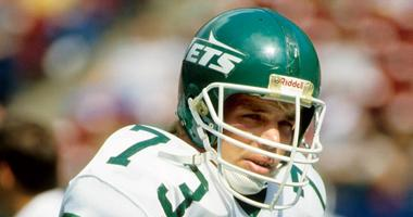 New York Jets defensive tackle Joe Klecko prior to the start of a game against the Miami Dolphins on Sep 21, 1986 at Giants Stadium.