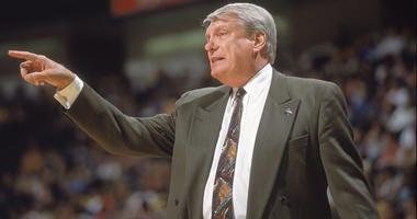 Don Nelson coaches the Dallas Mavericks in 2001.