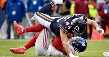 The Bears' Nick Kwiatkoski tackles Giants wide receiver Sterling Shepard on Nov. 24, 2019, in Chicago.