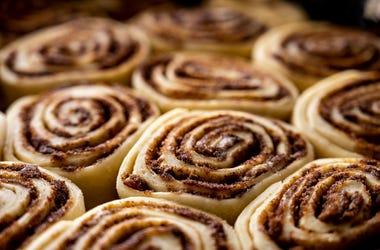 DOC SHOW AUDIO: Cinnamon Buns for Minooka!