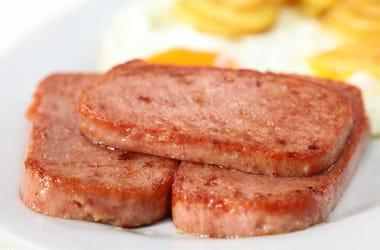 DOC SHOW AUDIO: Spam and Oreo Burgers Anyone?
