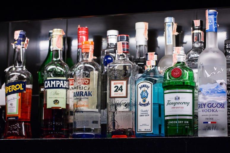 DOC SHOW AUDIO: Doc Scores at the Liquor Store
