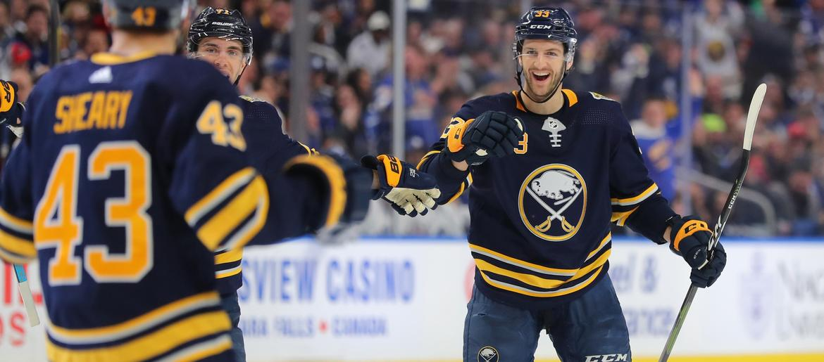 Strong 3rd Period Sends Sabres Past Leafs 5-2