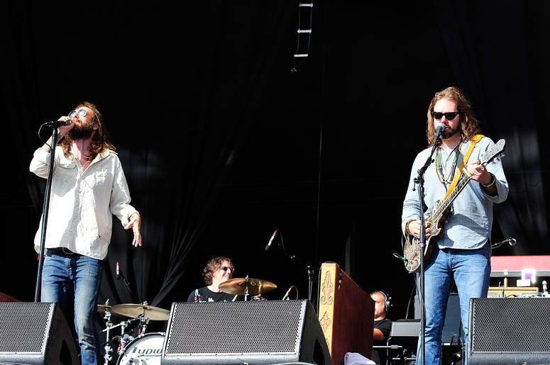 The Black Crowes Performing On Stage