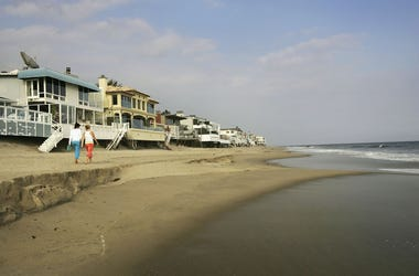 American beaches are found to contain high levels of fecal matter.