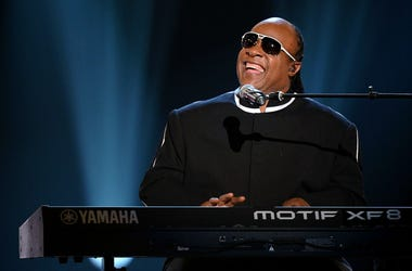 Stevie Wonder will undergo a kidney transplant.