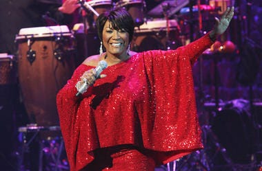 Patti Labelle With Microphone In Hand