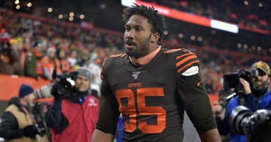Browns' Garrett suspended for rest of season by NFL